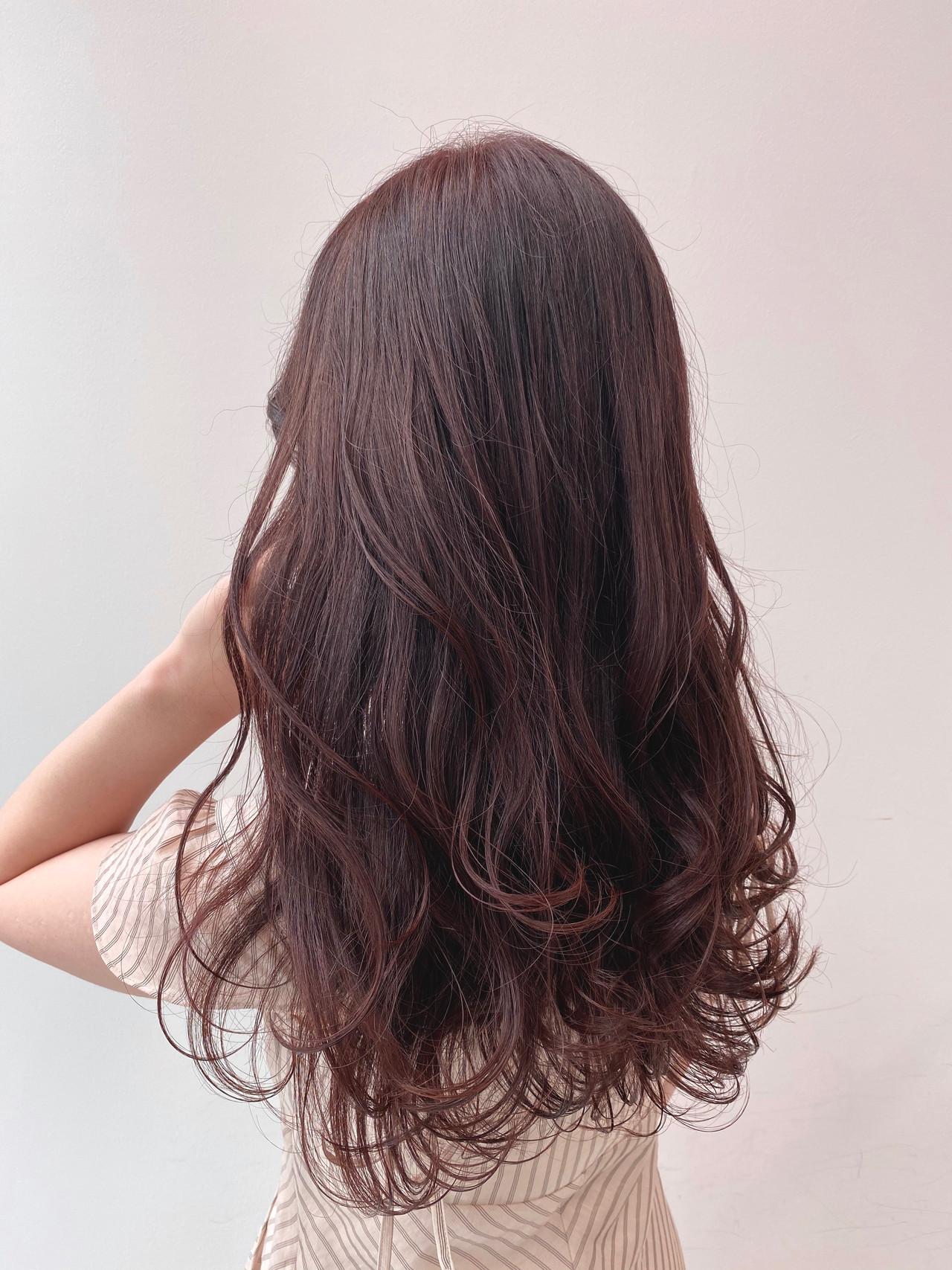 ナチュラル ロング チェリーピンク ショコラブラウン ヘアスタイルや髪型の写真・画像