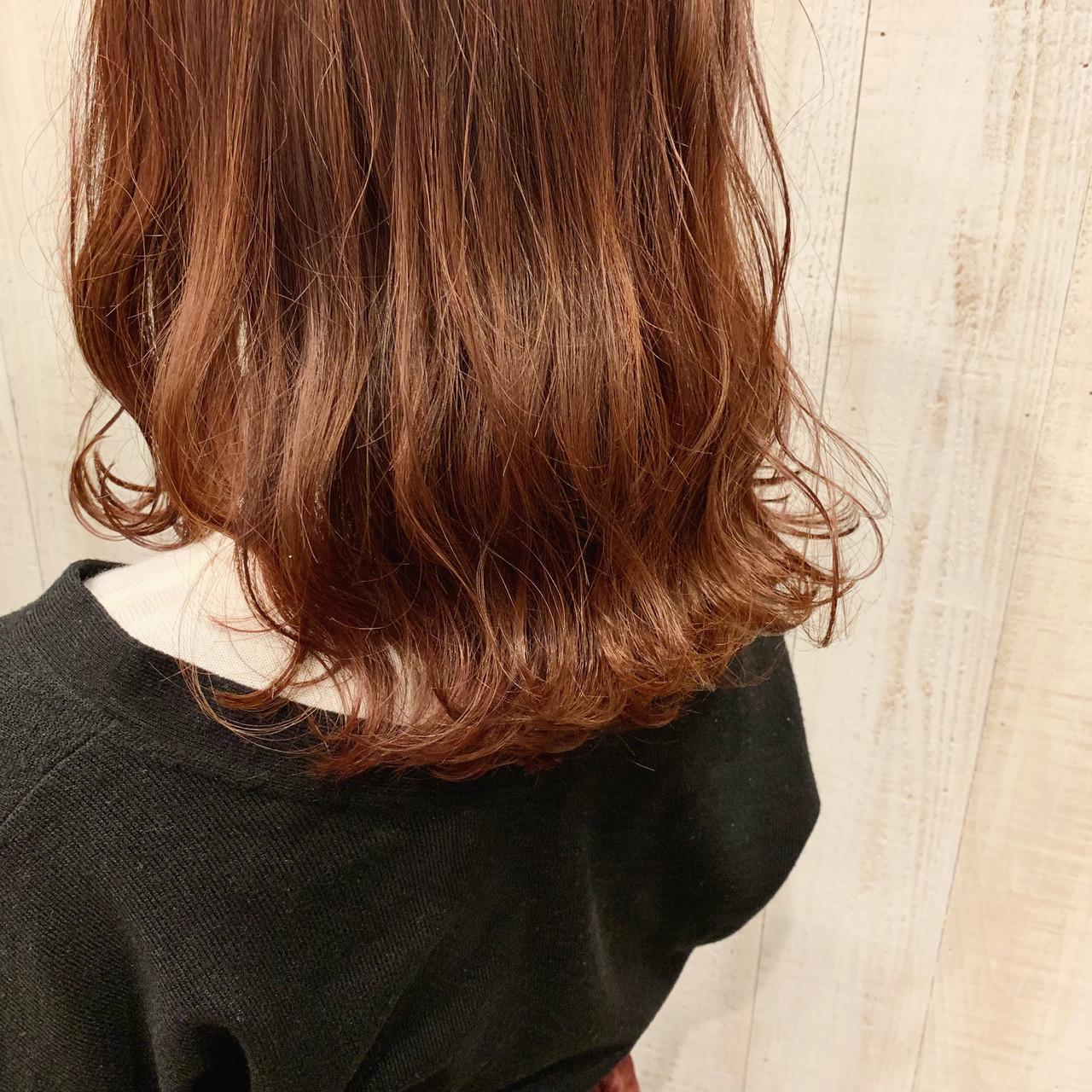 アプリコットオレンジ オレンジカラー ガーリー なみウェーブ ヘアスタイルや髪型の写真・画像