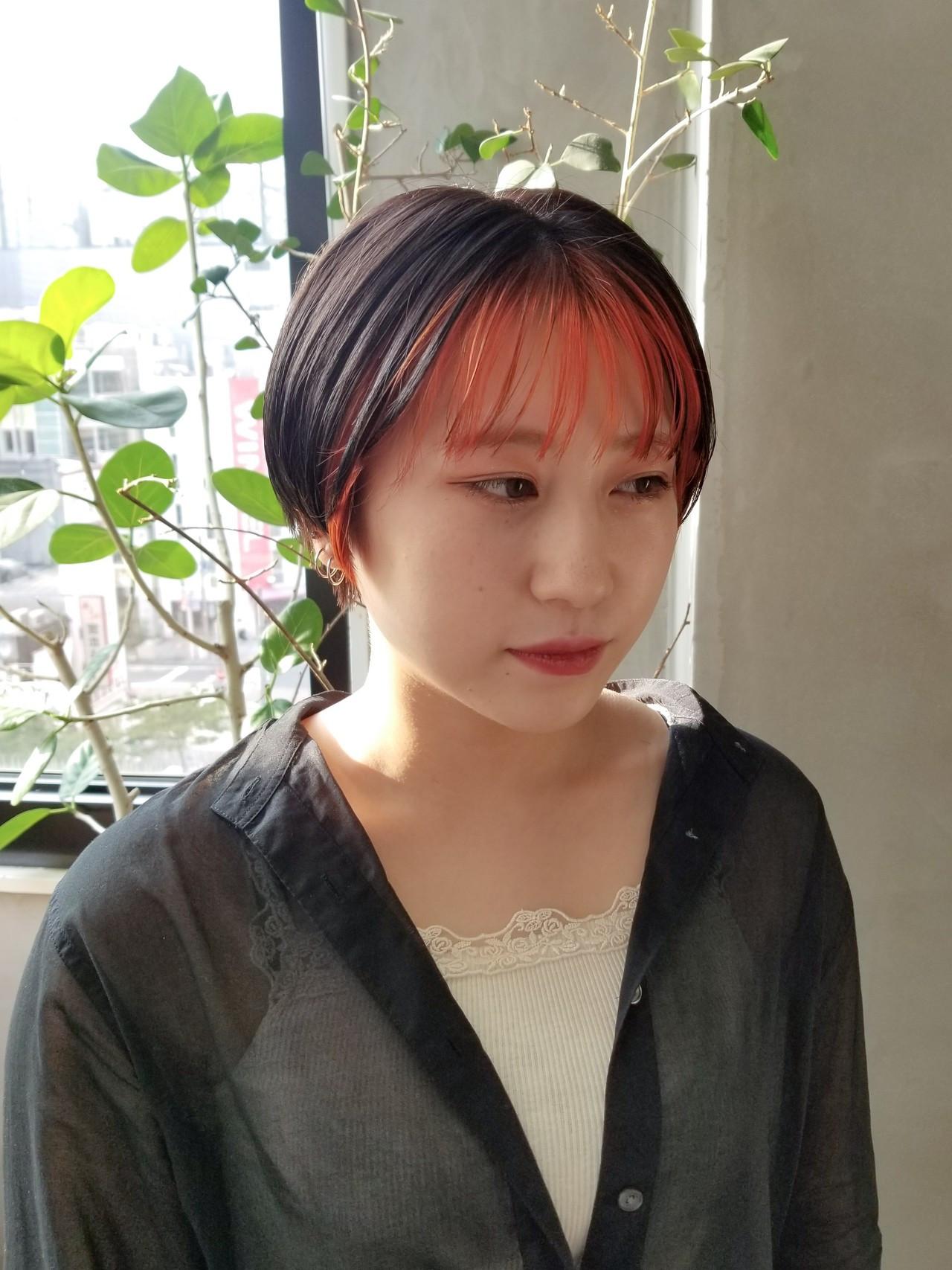 ベリーショート ストリート 前髪インナーカラー オレンジカラー ヘアスタイルや髪型の写真・画像