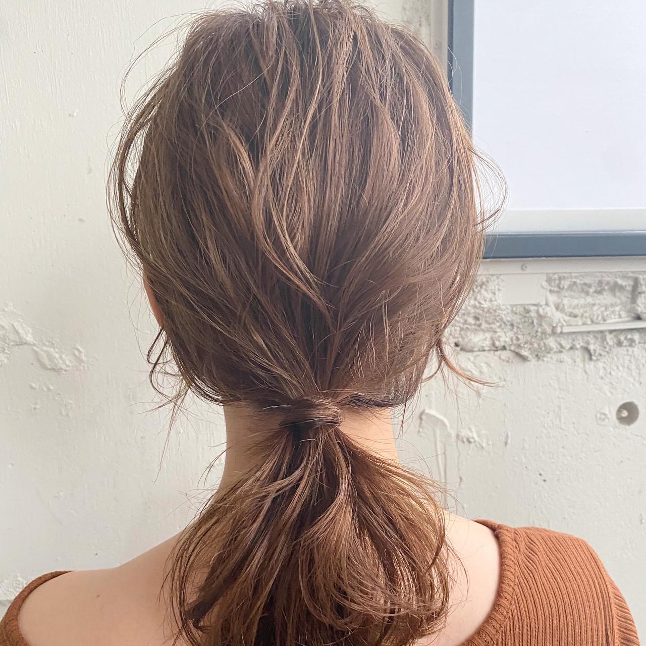 簡単スタイリング 大人かわいい ポニーテール ミディアム ヘアスタイルや髪型の写真・画像