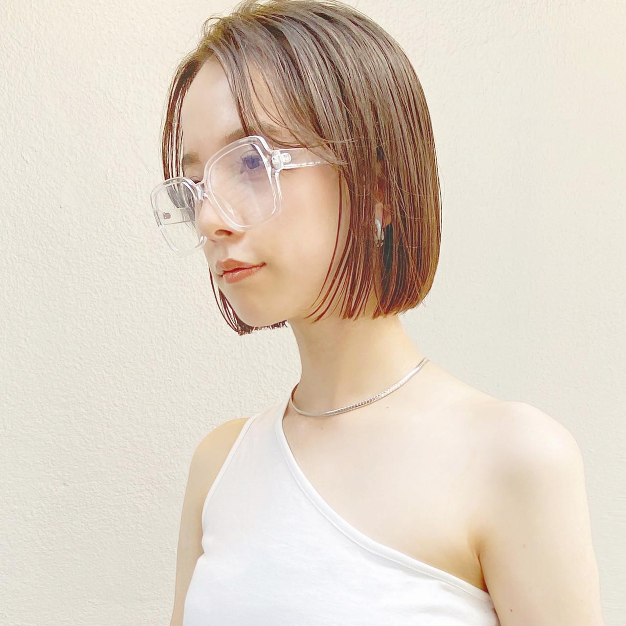切りっぱなしボブ ベージュカラー ボブ ミニボブ ヘアスタイルや髪型の写真・画像
