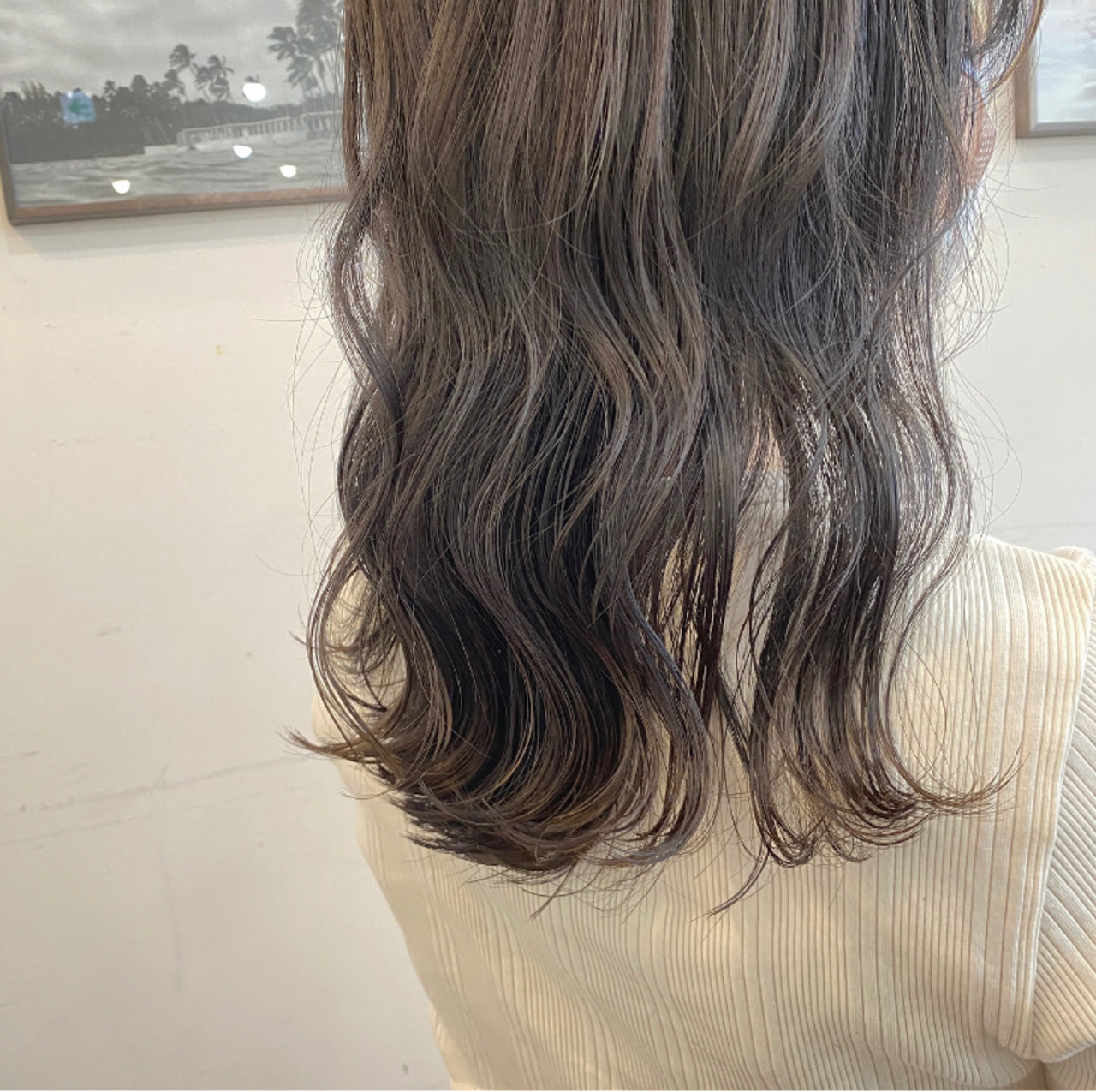 グレージュ セミロング ナチュラル 暗髪女子 ヘアスタイルや髪型の写真・画像