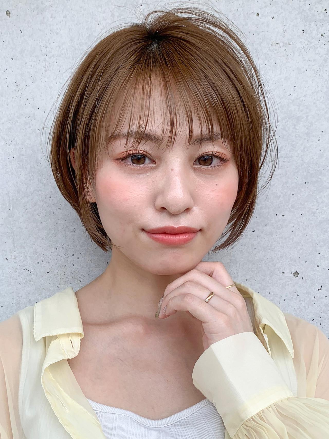 小顔ヘア ショートボブ オリーブベージュ デジタルパーマ ヘアスタイルや髪型の写真・画像