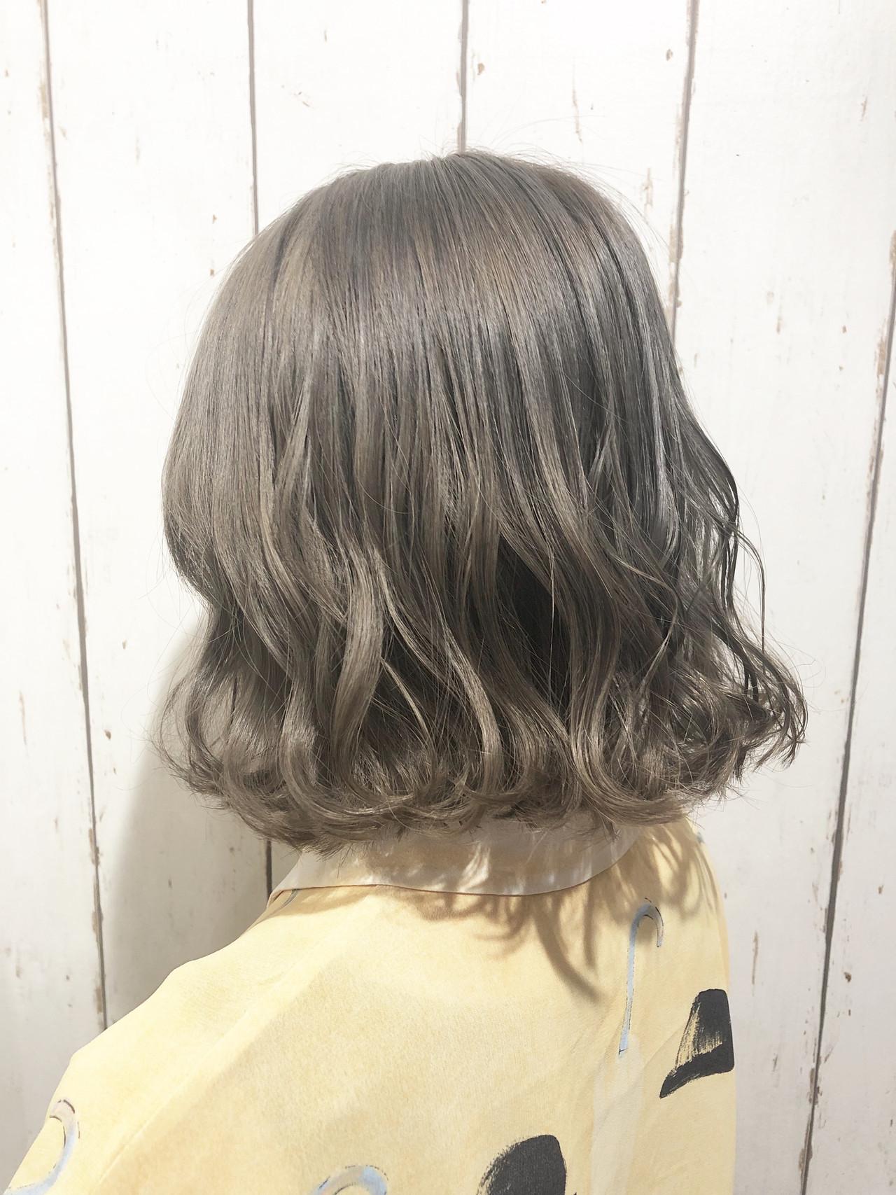 ボブ ブリーチ ホワイトアッシュ ホワイトブリーチ ヘアスタイルや髪型の写真・画像