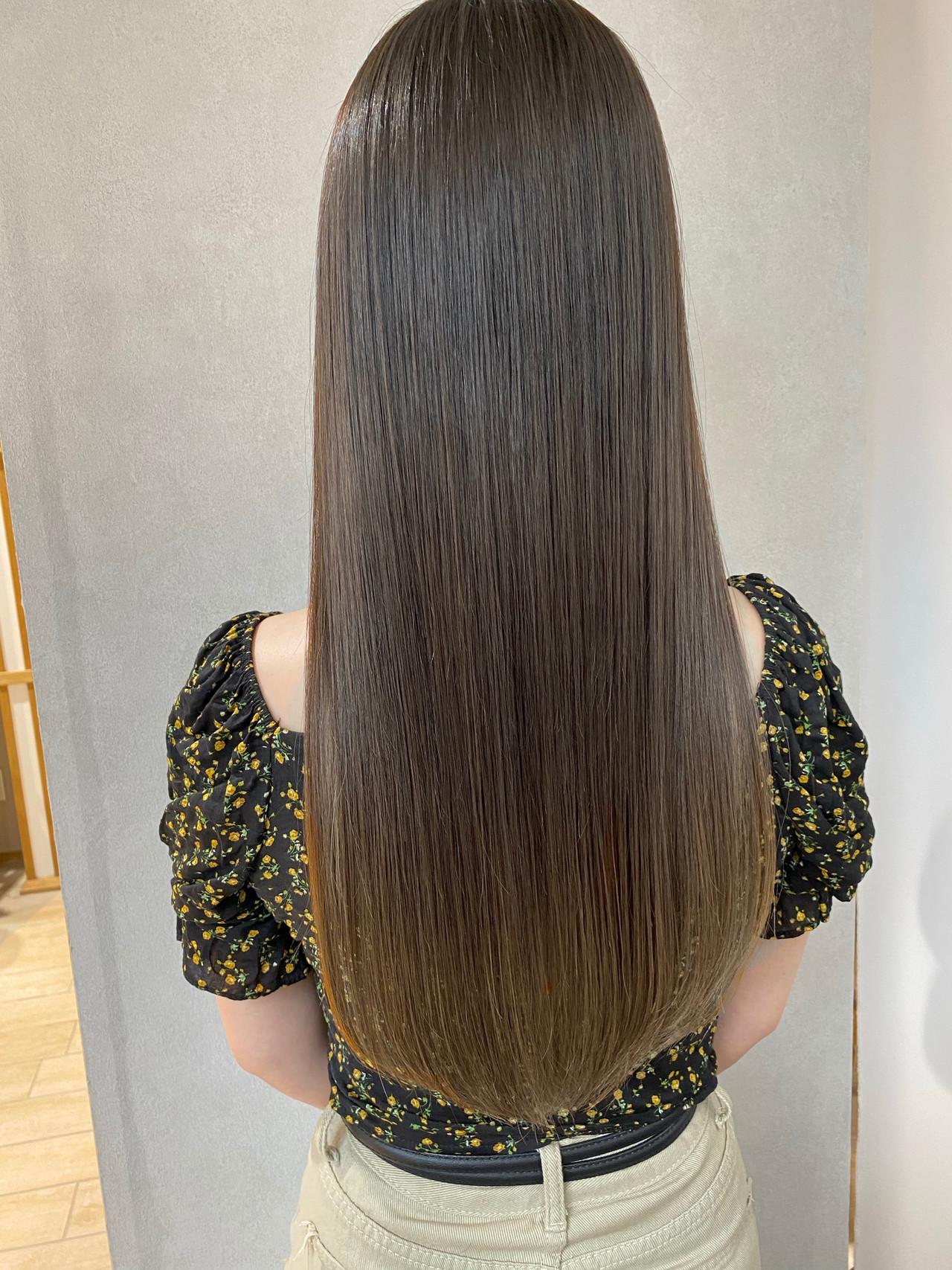 ナチュラル ロング アッシュグレージュ 髪質改善トリートメント ヘアスタイルや髪型の写真・画像