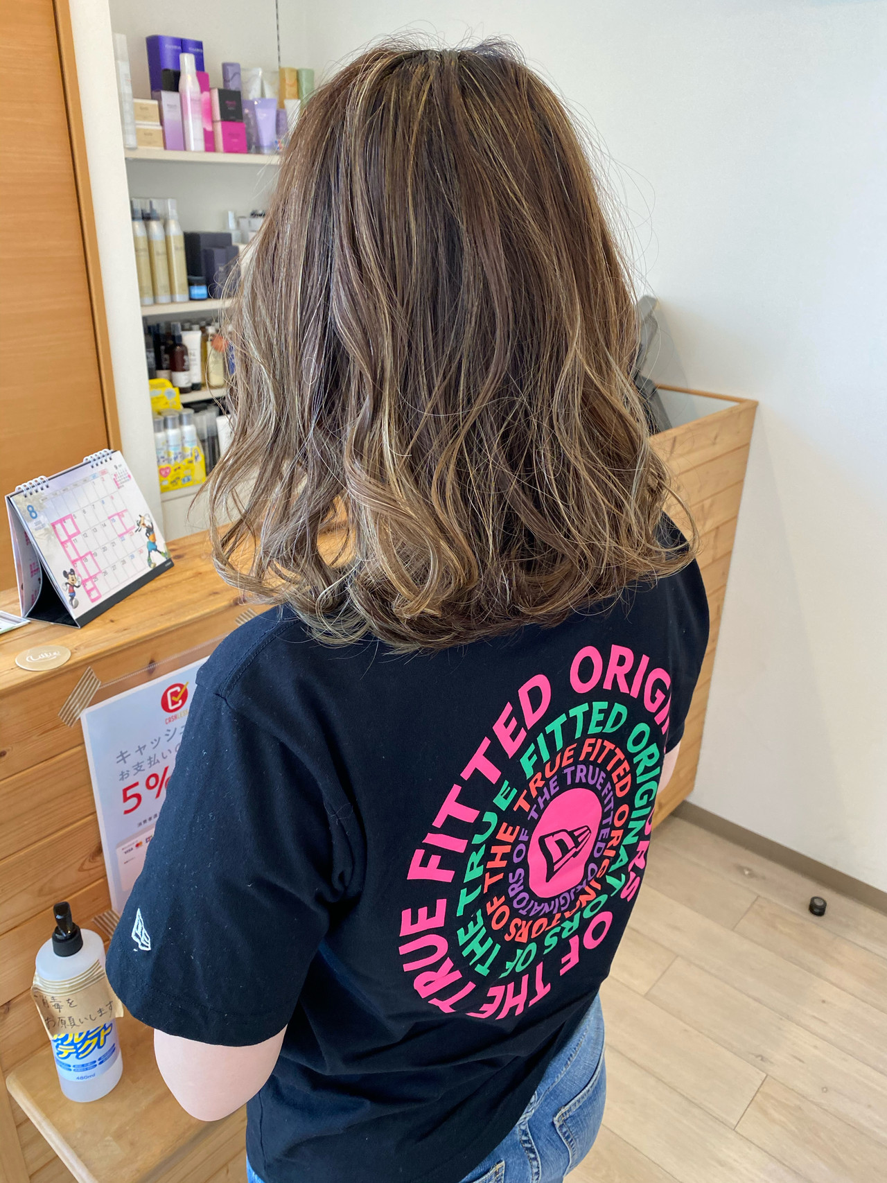 アッシュ ふわふわヘアアレンジ アッシュベージュ ストリート ヘアスタイルや髪型の写真・画像
