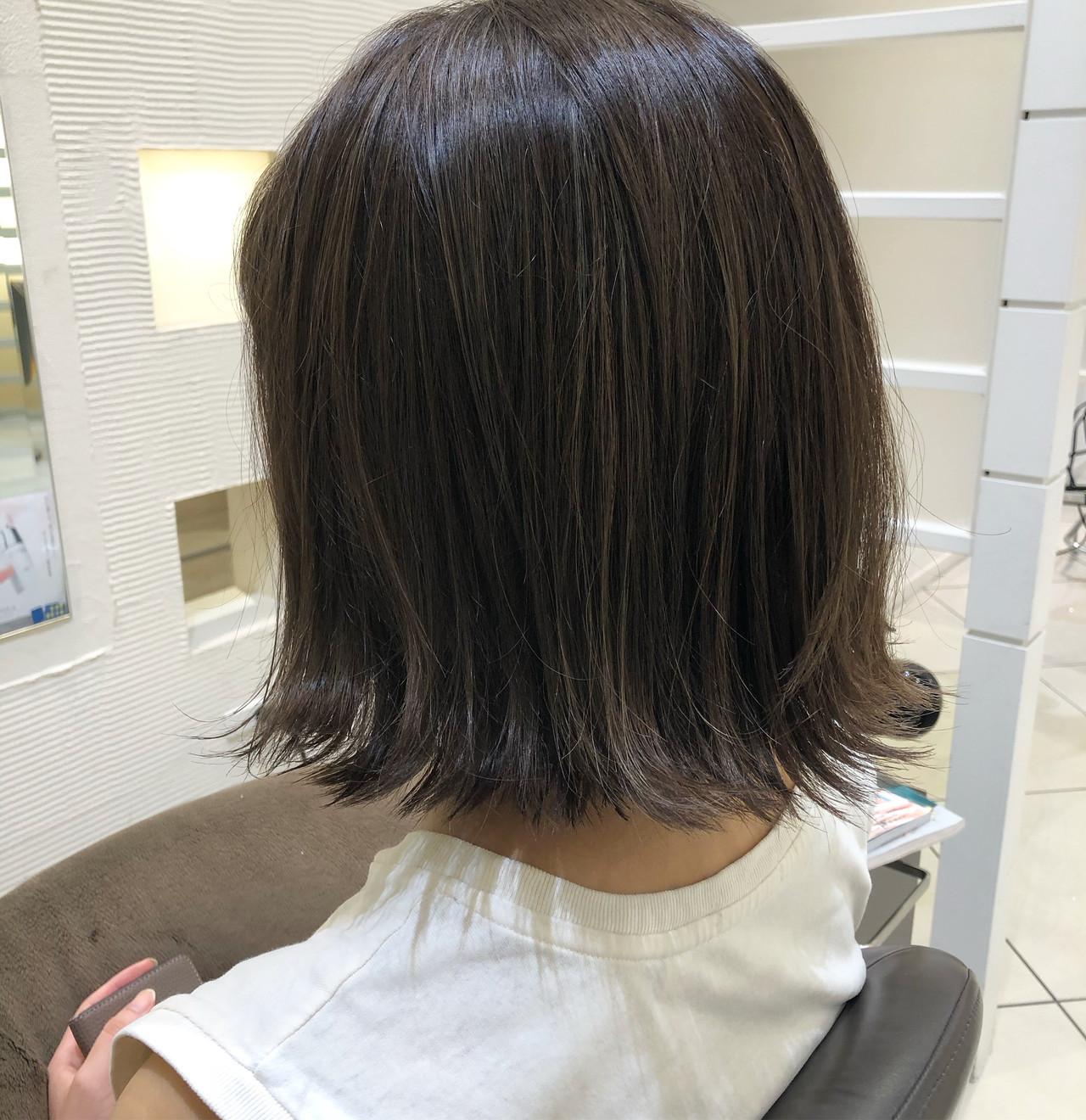 ボブ 切りっぱなしボブ 外ハネボブ 極細ハイライト ヘアスタイルや髪型の写真・画像
