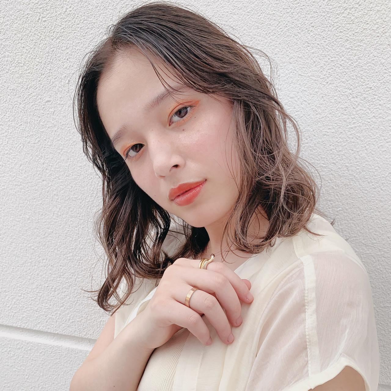 アンニュイほつれヘア 透明感カラー 外国人風カラー ナチュラル ヘアスタイルや髪型の写真・画像