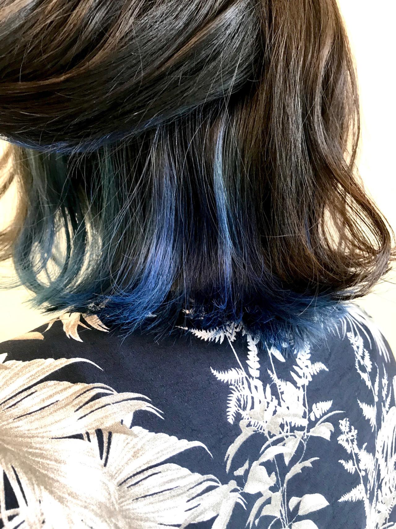 インナーカラー ブルーブラック インナーブルー ブルー ヘアスタイルや髪型の写真・画像