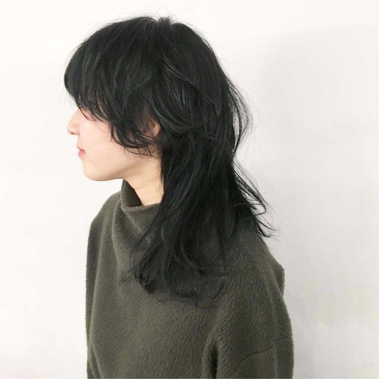 パーマ ミディアム マッシュウルフ ネオウルフ ヘアスタイルや髪型の写真・画像