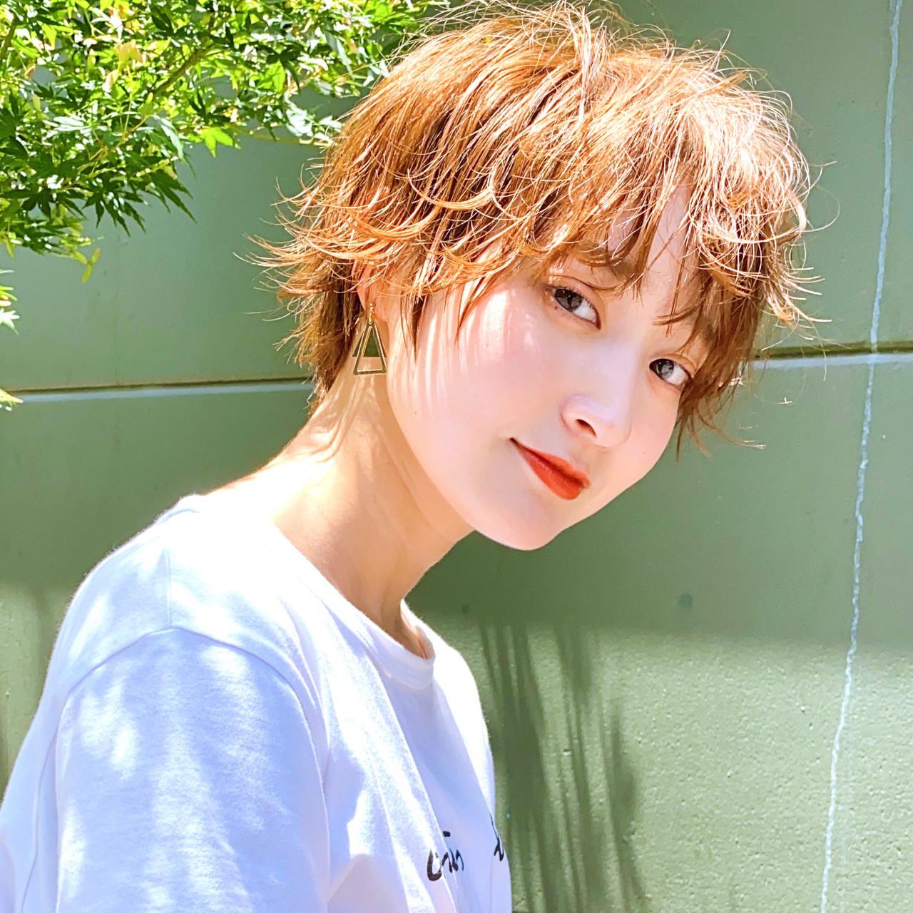 ショートヘア ナチュラル ショート グレージュ ヘアスタイルや髪型の写真・画像