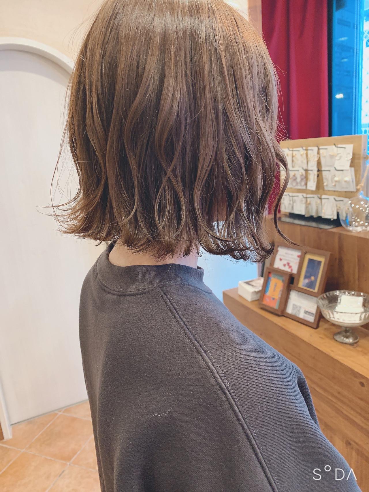 ショートヘア ボブ ナチュラル インナーカラー ヘアスタイルや髪型の写真・画像