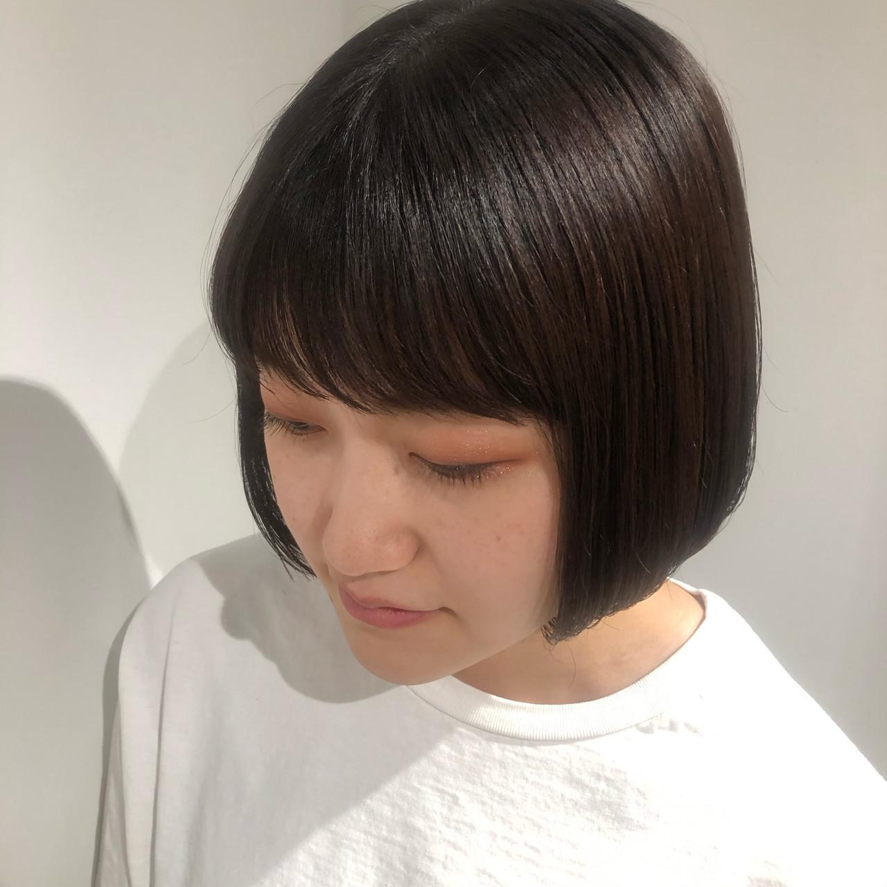 ショートボブ 暗髪 ボブ 切りっぱなしボブ ヘアスタイルや髪型の写真・画像