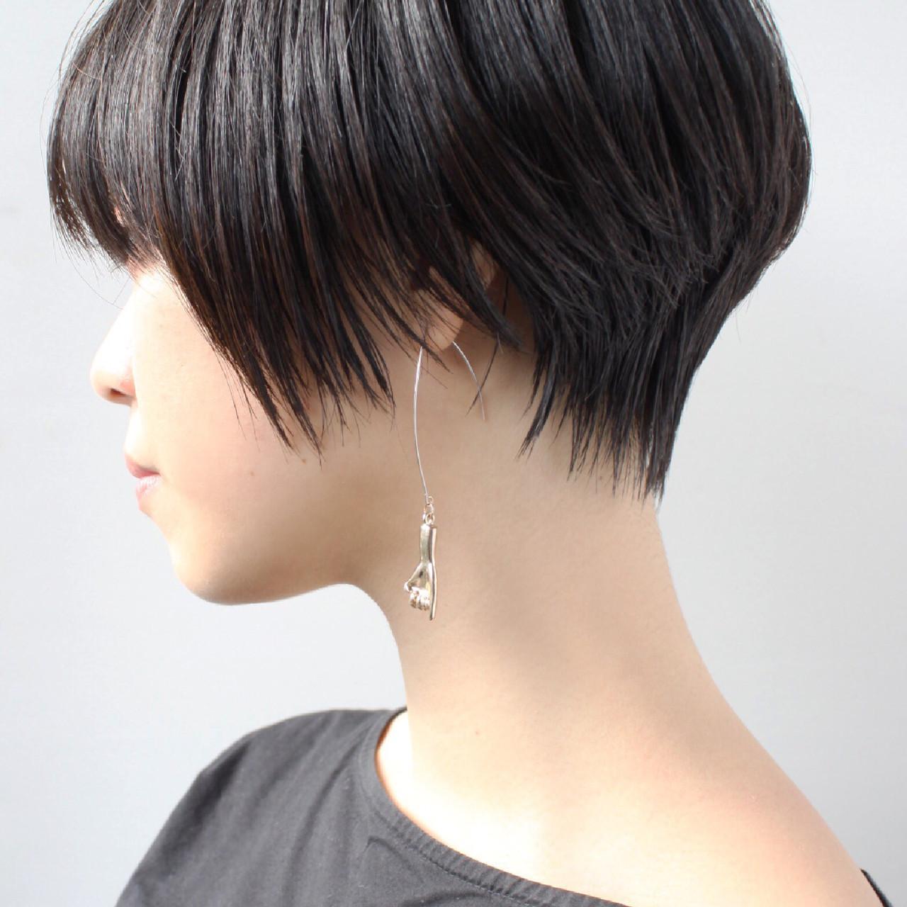 黒髪 大人グラボブ ストレート 上品 ヘアスタイルや髪型の写真・画像