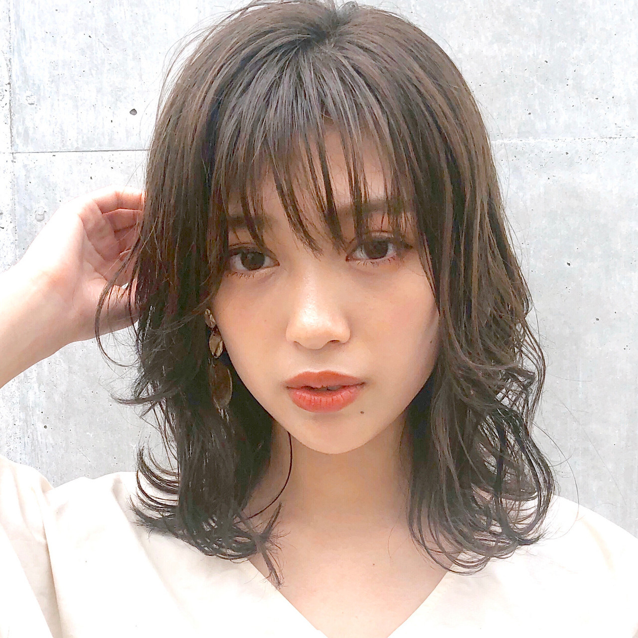 フェミニン ミディアム ウルフカット アンニュイほつれヘア ヘアスタイルや髪型の写真・画像