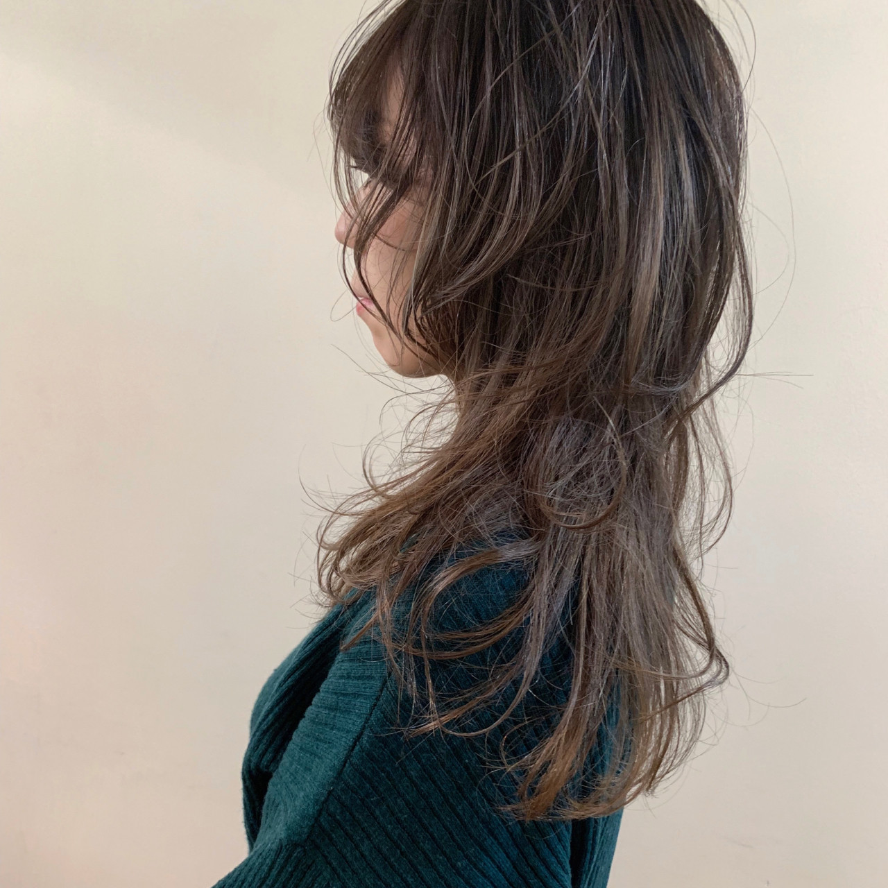 大人かわいい ゆるふわ セミロング ニュアンスウルフ ヘアスタイルや髪型の写真・画像