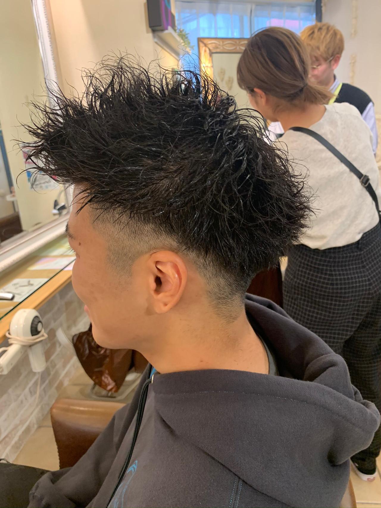メンズヘア ボーイッシュ ストリート メンズパーマ ヘアスタイルや髪型の写真・画像