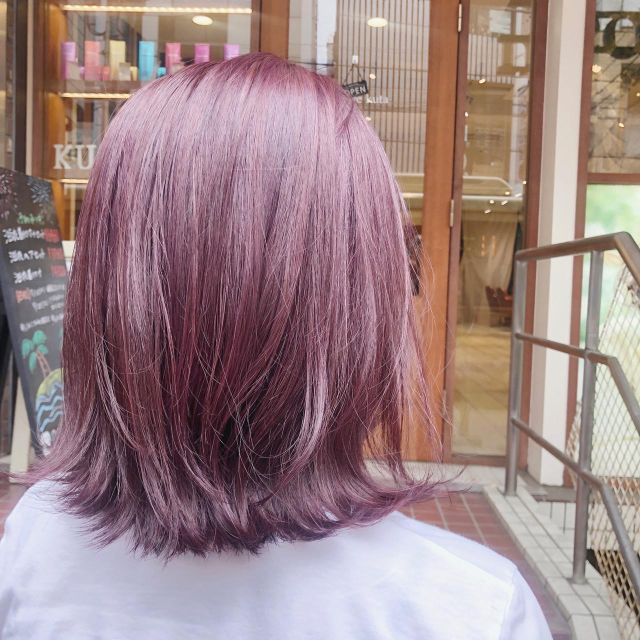 切りっぱなしボブ ハイトーン ハイトーンカラー ミディアム ヘアスタイルや髪型の写真・画像