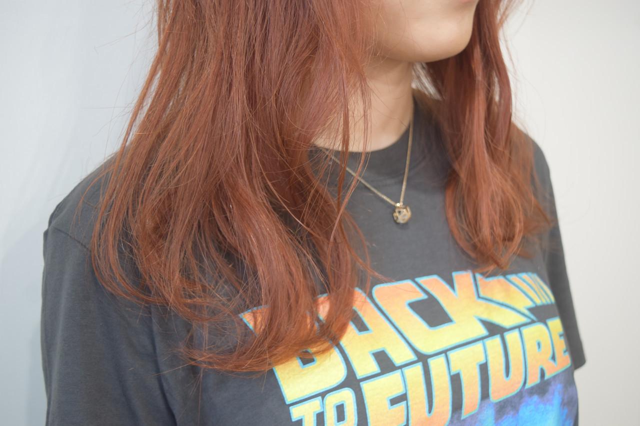 オレンジベージュ ナチュラル アプリコットオレンジ オレンジ ヘアスタイルや髪型の写真・画像