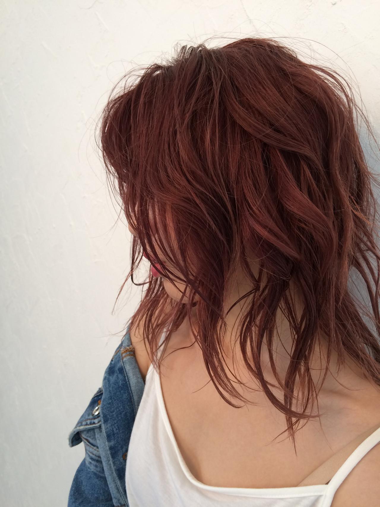 ガーリー レッドカラー 赤髪 ミディアム ヘアスタイルや髪型の写真・画像
