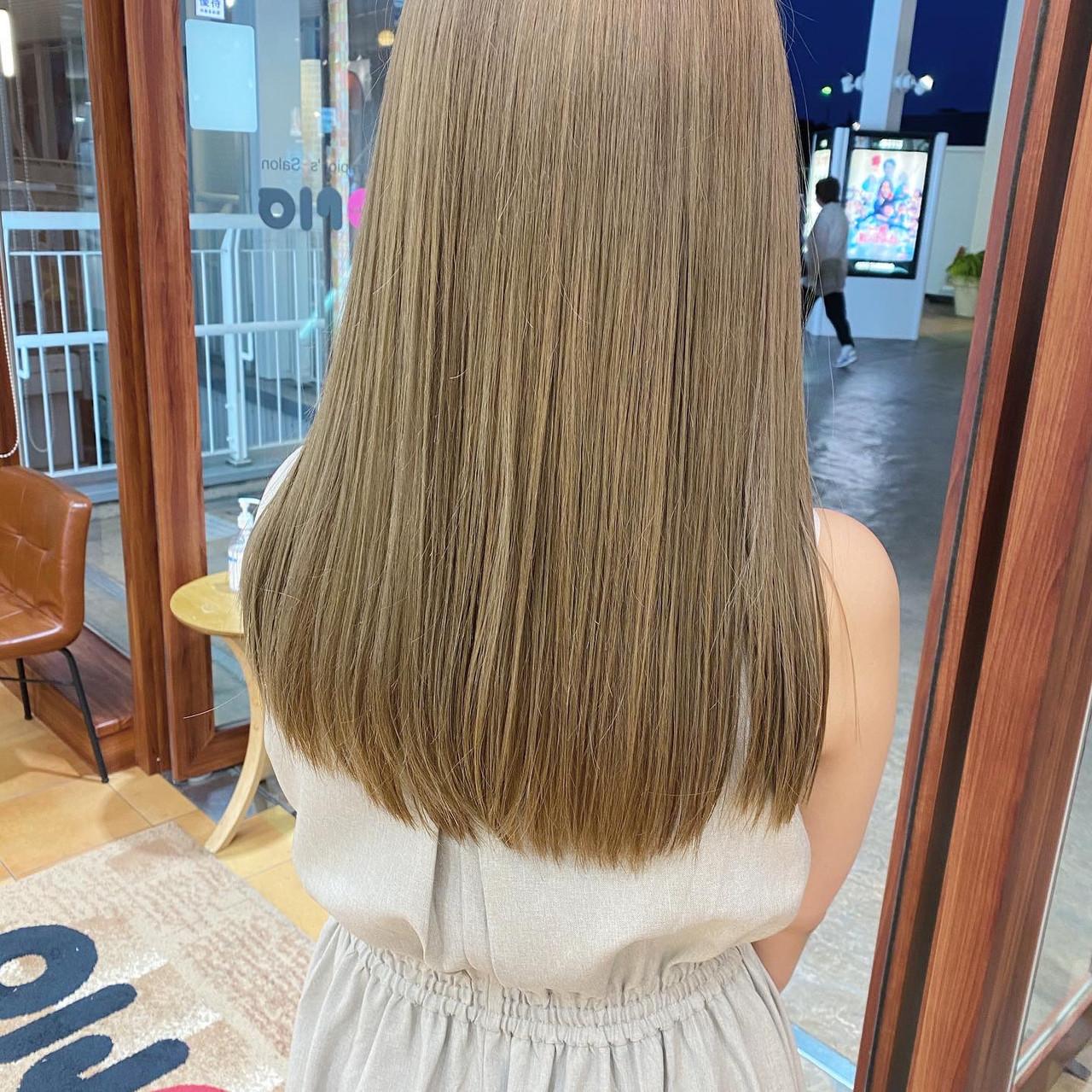 ハイトーンカラー ホワイトベージュ ハイトーン ナチュラル ヘアスタイルや髪型の写真・画像