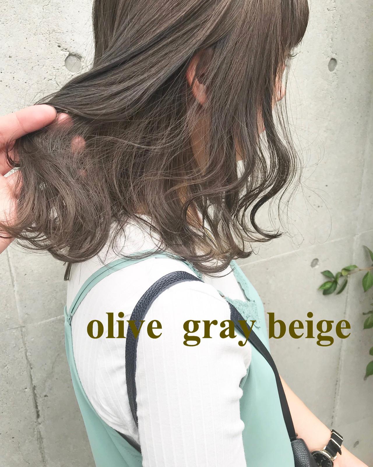 セミロング オリーブカラー ブルーラベンダー オリーブ ヘアスタイルや髪型の写真・画像