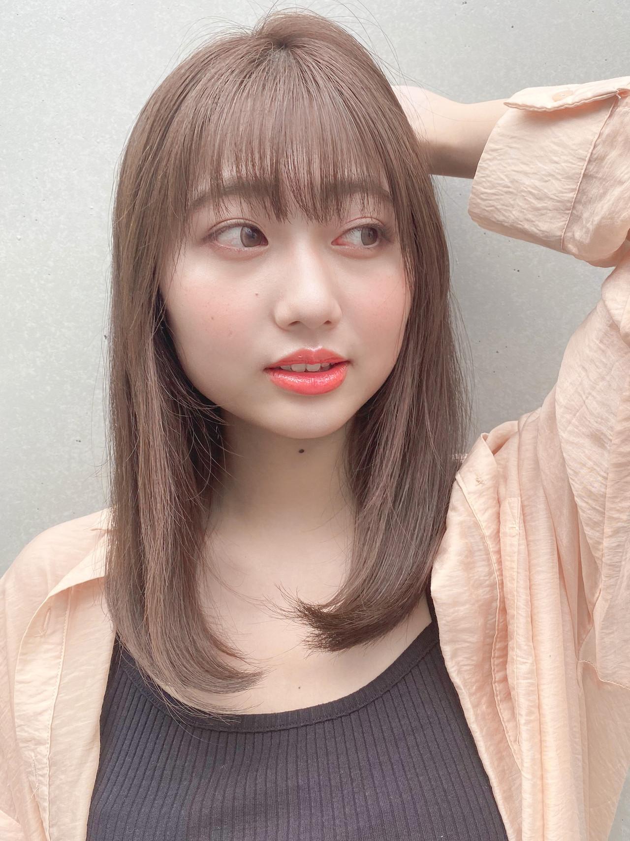 インナーカラー 縮毛矯正 セミロング ストレート ヘアスタイルや髪型の写真・画像