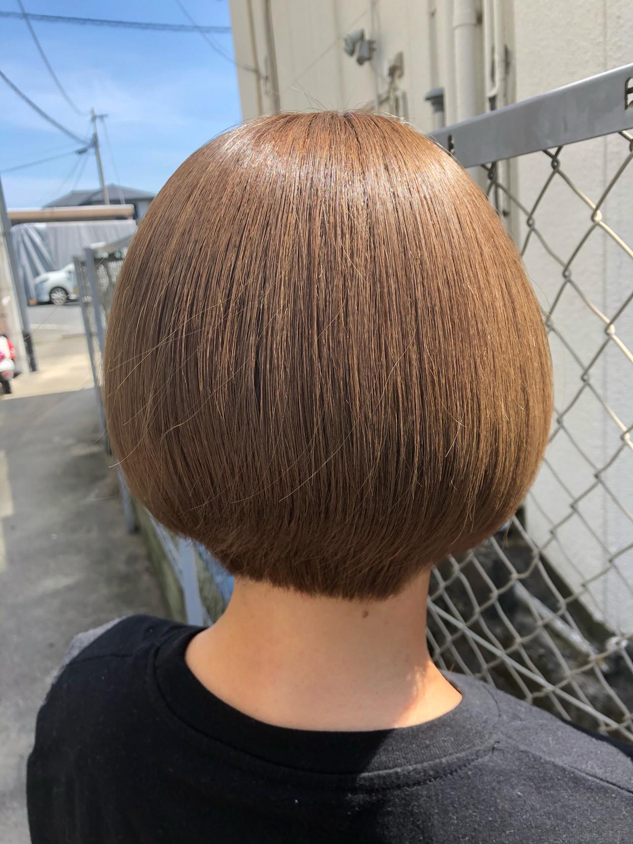 ミルクティーアッシュ ミルクティーベージュ ナチュラル ショートボブ ヘアスタイルや髪型の写真・画像