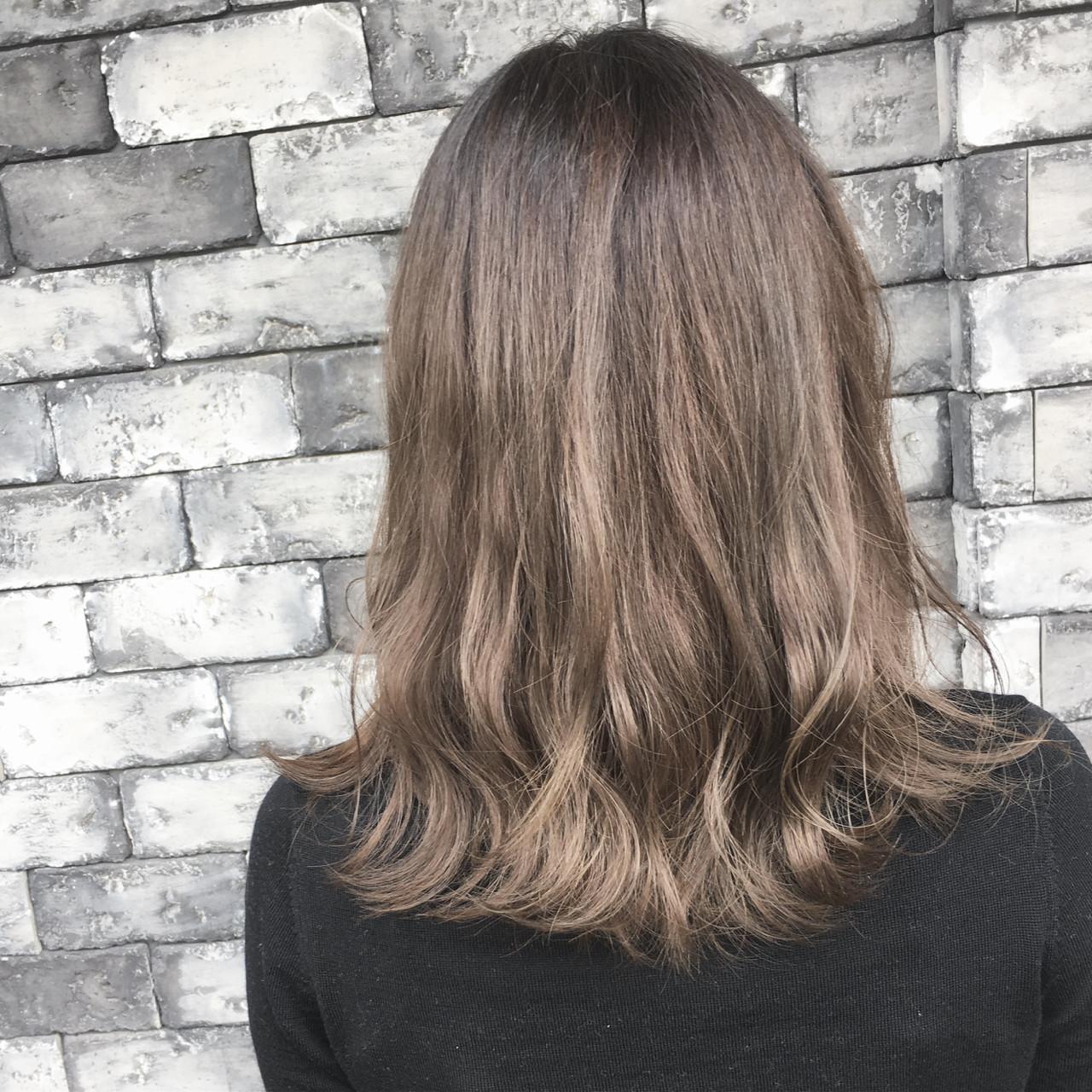セミロング ストリート パーマ ハロウィン ヘアスタイルや髪型の写真・画像