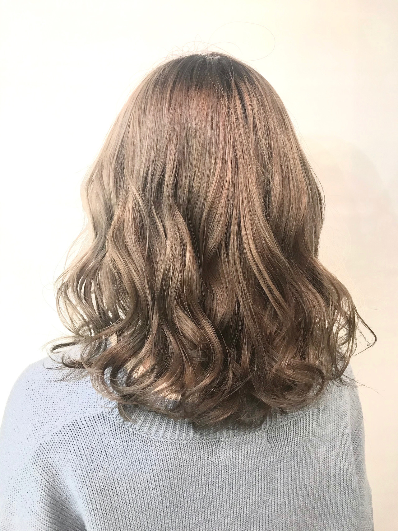 透明感カラー ボブ ミルクティーグレージュ スモーキーアッシュ ヘアスタイルや髪型の写真・画像