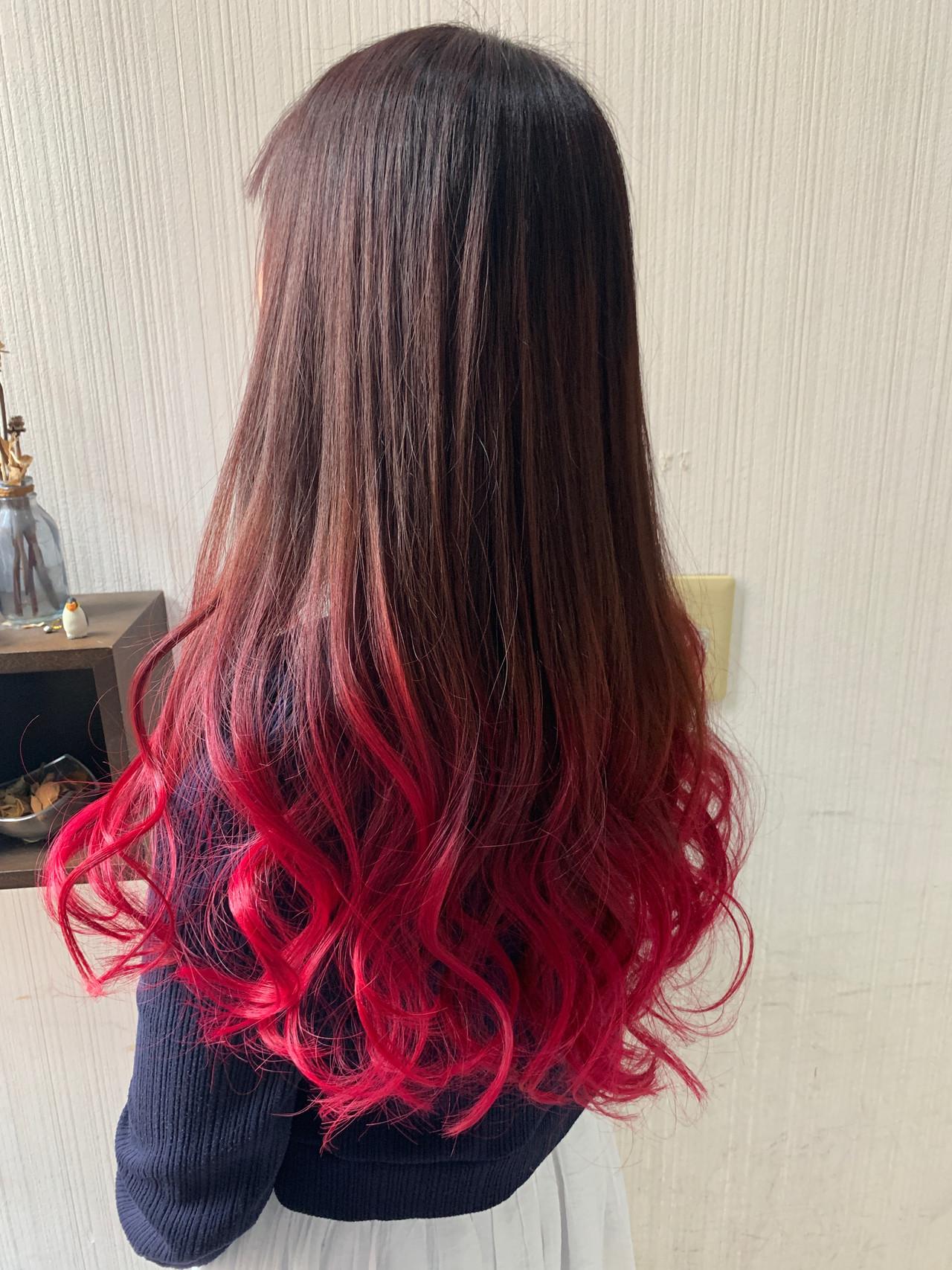 大人可愛い インナーカラー ベリーピンク ナチュラル ヘアスタイルや髪型の写真・画像