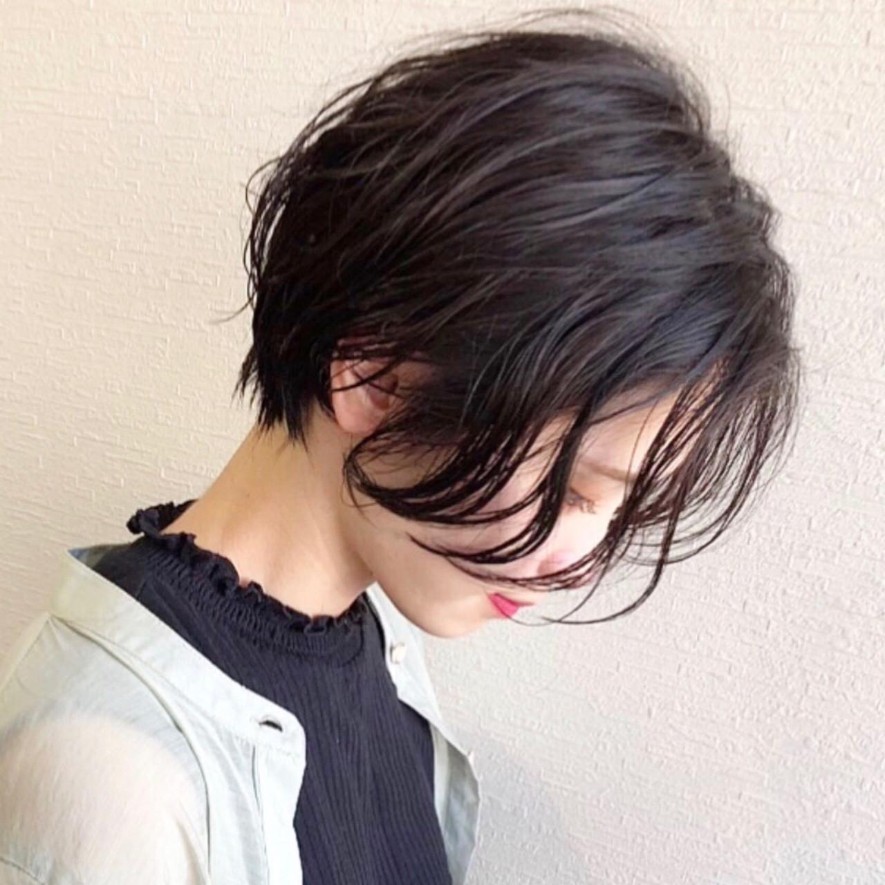 前下がりショート 黒髪ショート ショート ショートパーマ ヘアスタイルや髪型の写真・画像