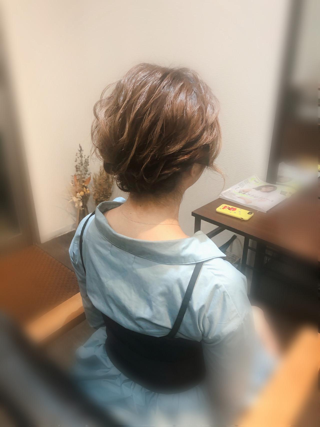 ねじり ヘアアレンジ アップスタイル フェミニン ヘアスタイルや髪型の写真・画像