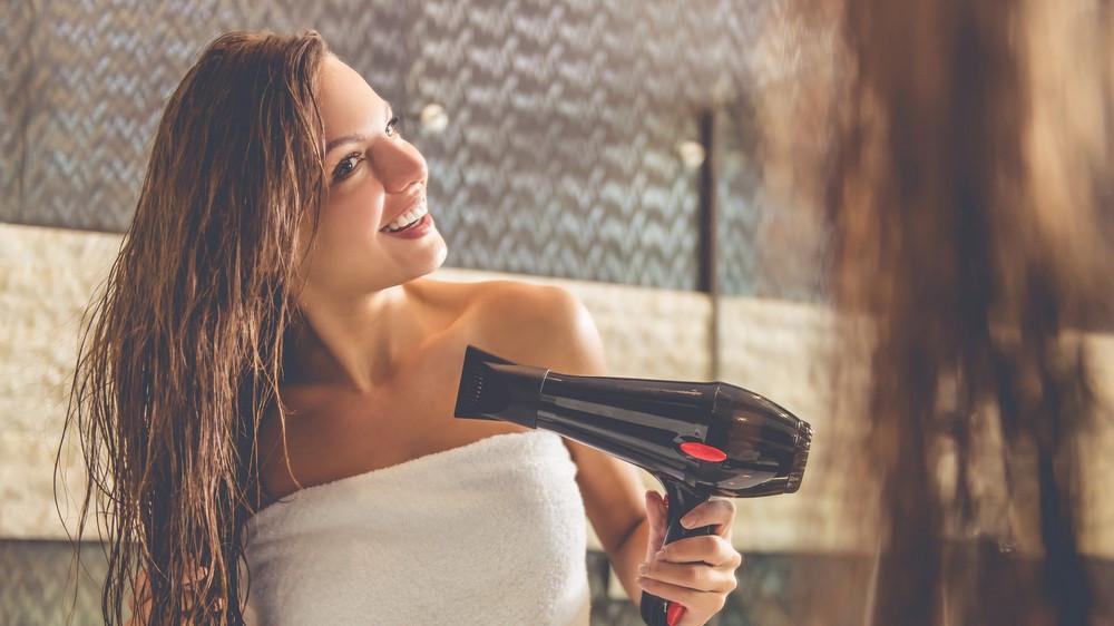 今夜から始めよう◎美髪を保つ「髪トレーニング」とは?