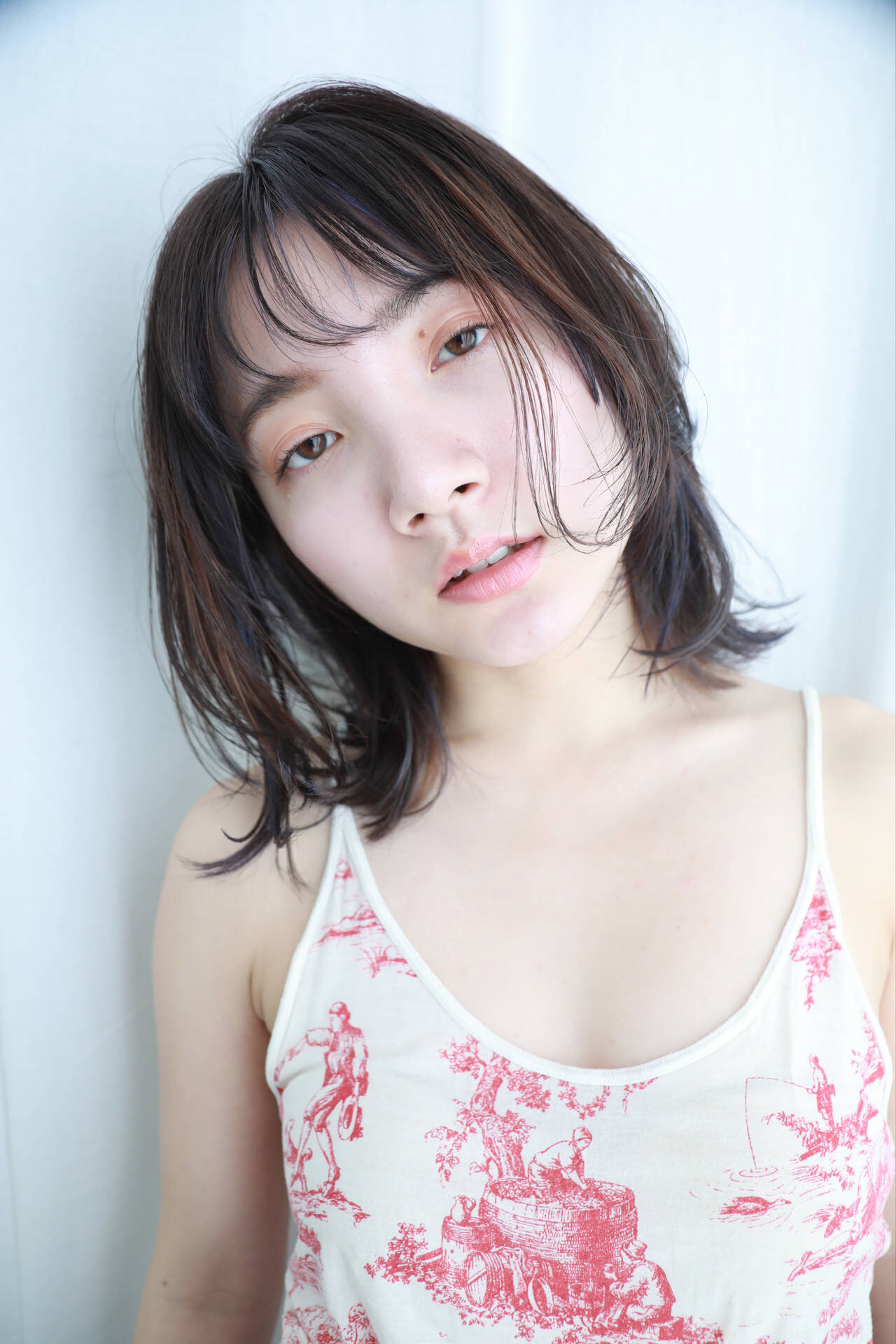前髪は薄くしておでこを見せて♡ 渡部朋子  Baco