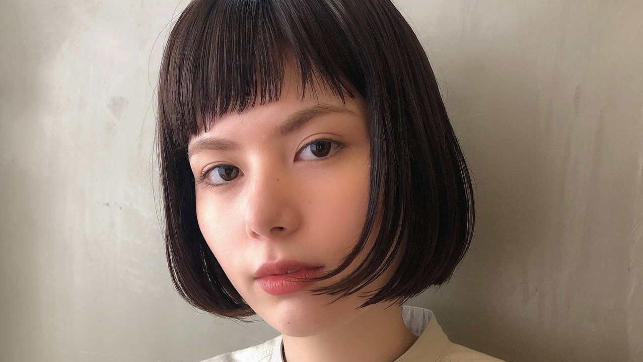女の子らしく小顔に見せるおすすめ「ぱっつん前髪」best3
