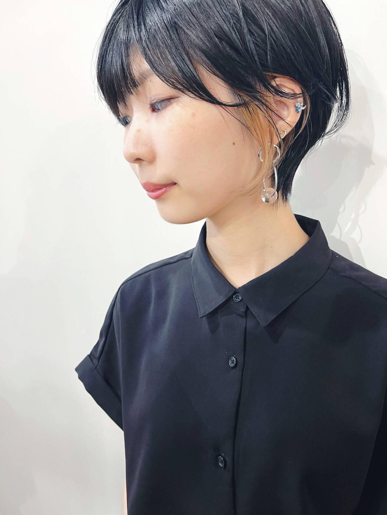 ベージュのイヤリングカラー 真鍋 龍平  Riches by ENVY.西宮北口